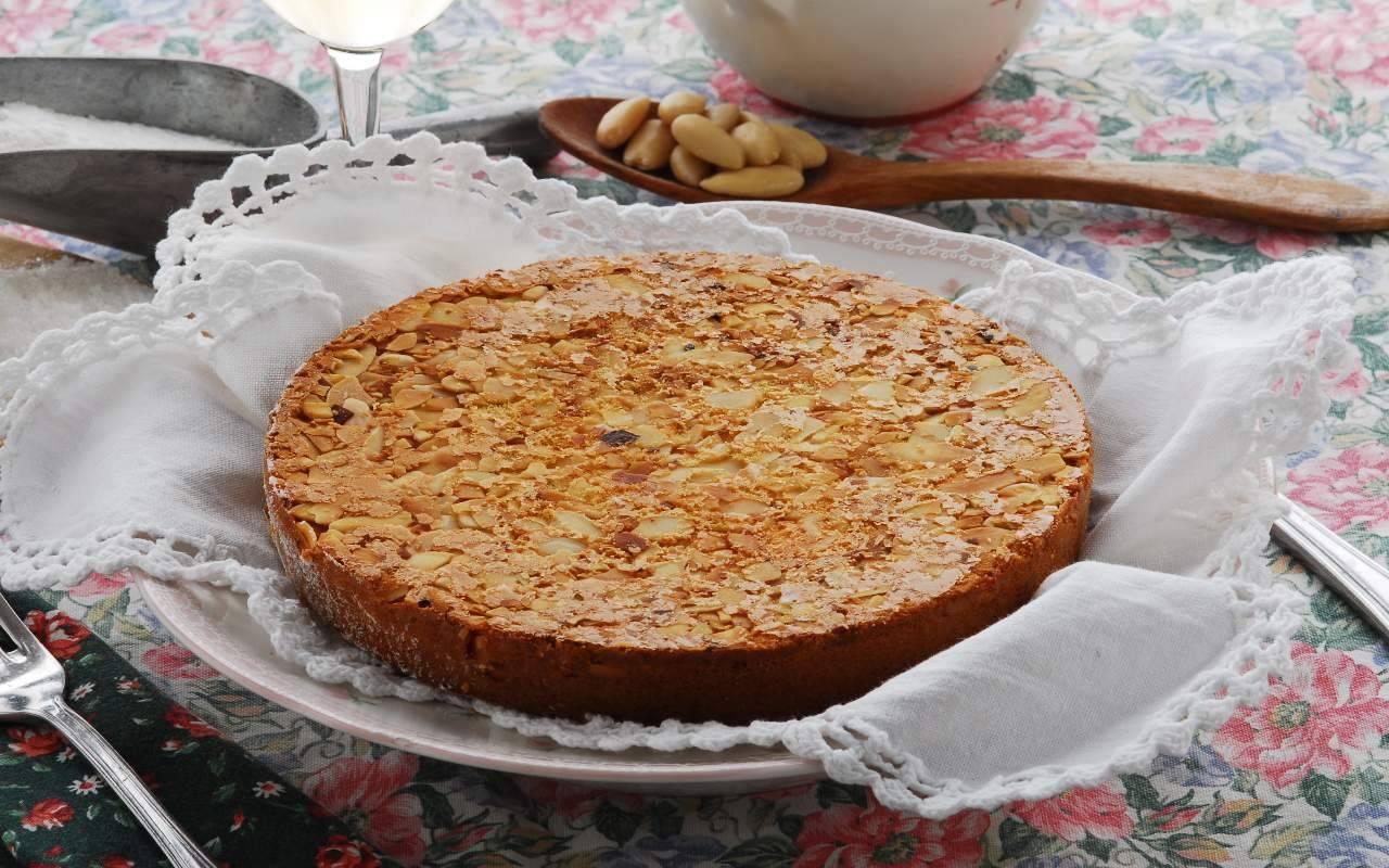torta mandorle ricetta FOTO ricettasprint