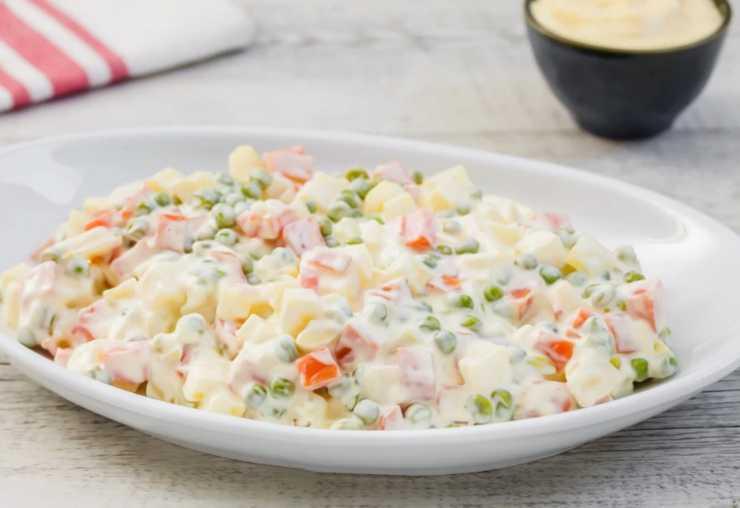 Torta di tramezzini con insalata russa ricettasprint