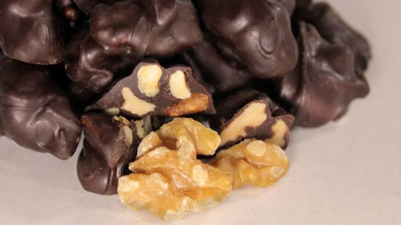 cioccolatini alle noci e cioccolato
