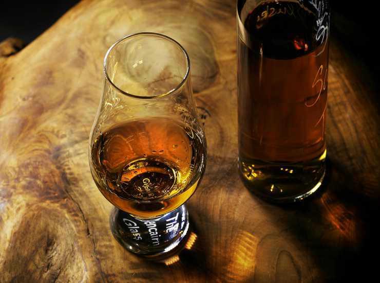 Bignè con panna al rum FOTO ricettasprint