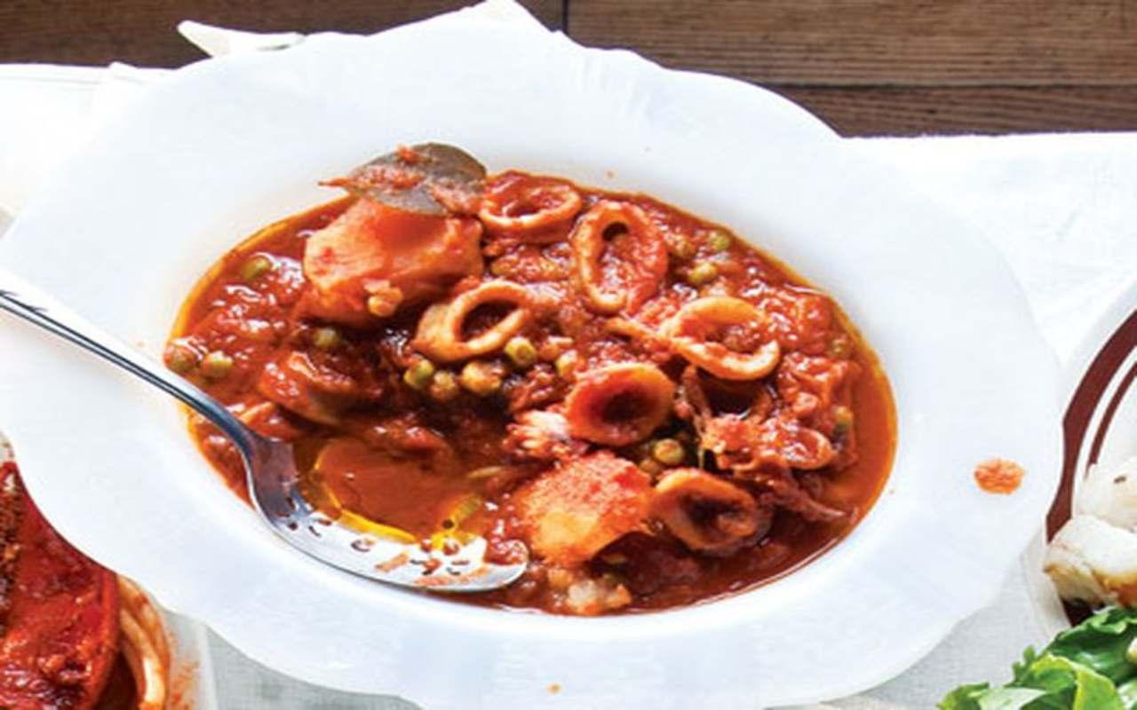 calamari patate sugo ricetta FOTO ricettasprint