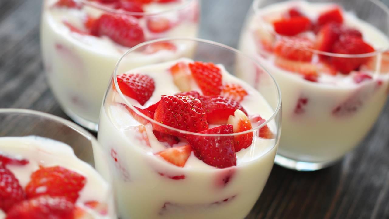 Dessert alle fragole al cucchiaio
