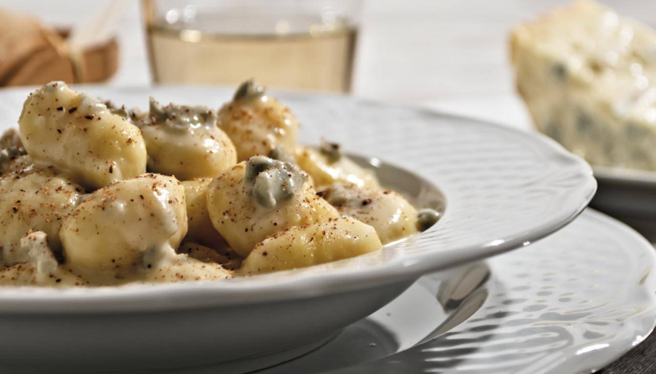 Gnocchi di patate al gorgonzala e noci ricetta