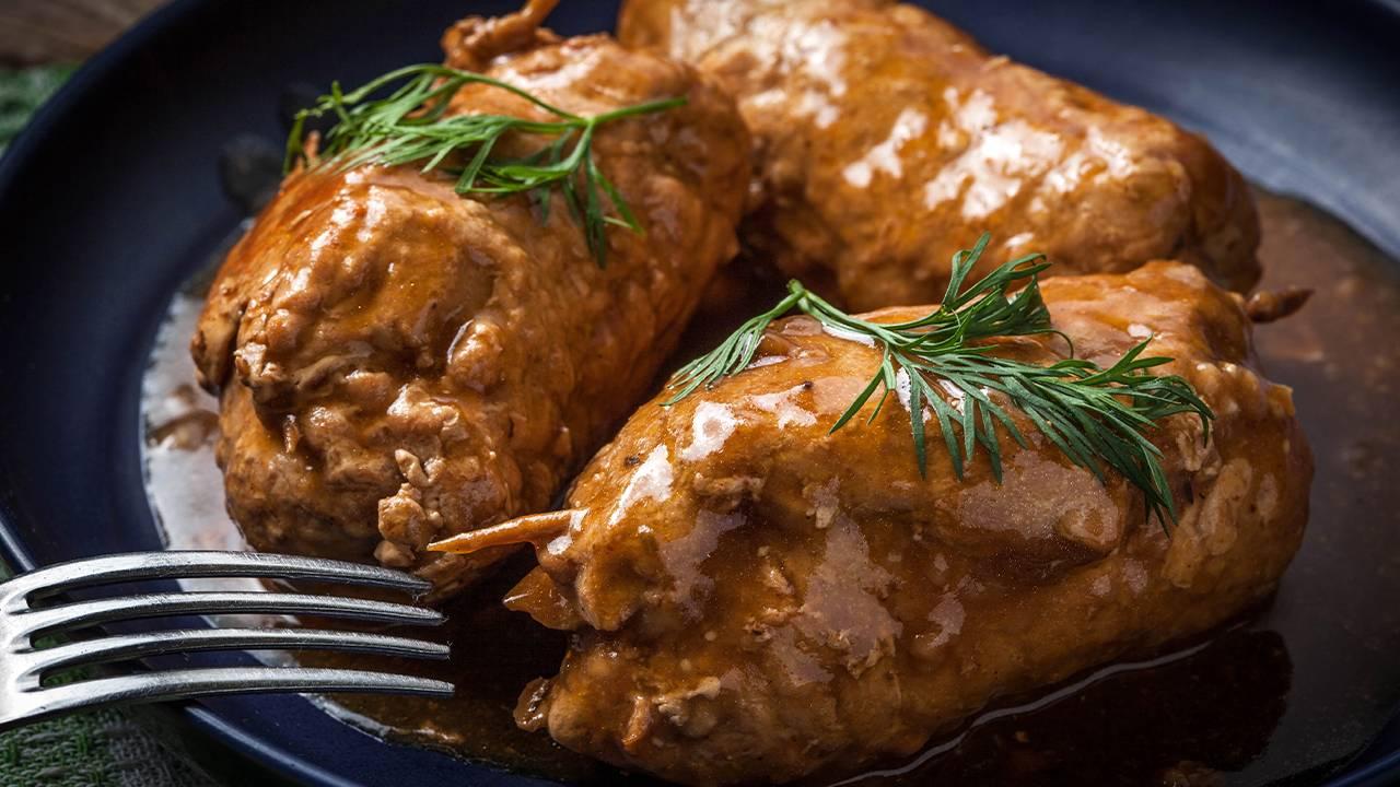 Carne di maiale ripiena di provolone e salsiccia