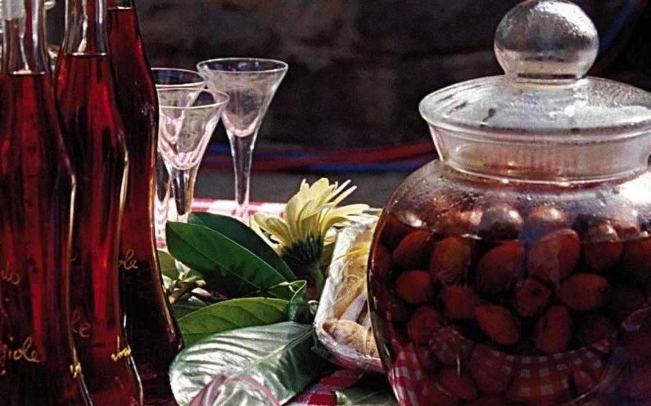 liquore giuggiole ricetta FOTO ricettasprint