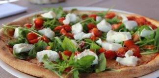 Pizza Margherita con rucola ricetta