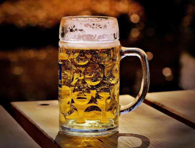 Pollo glassato birra e cipolle FOTO ricettasprint