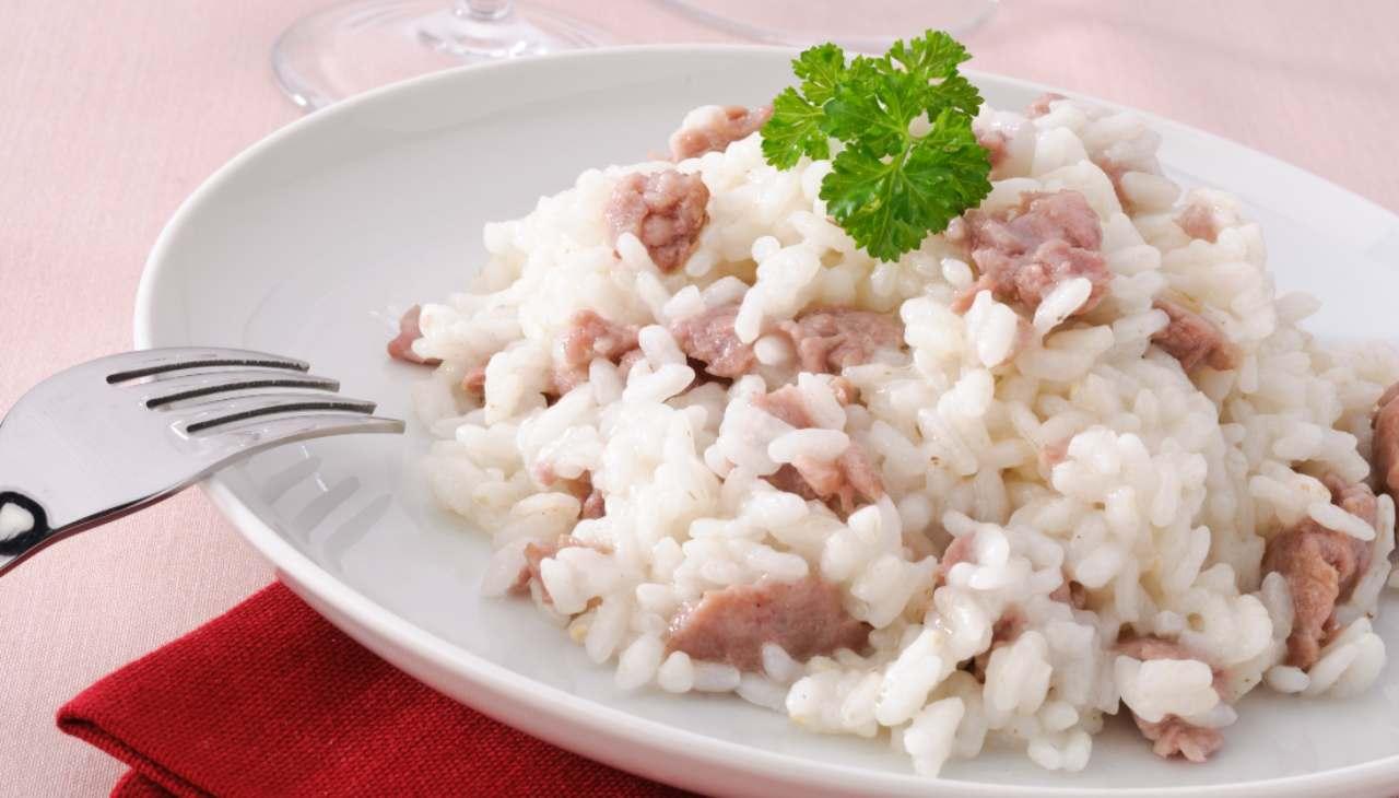 Risotto salsiccia e scalogno ricetta