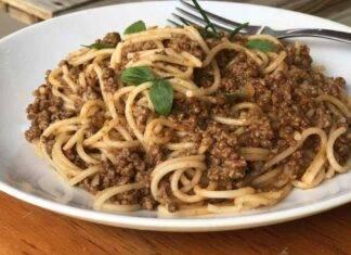 Spaghetti al ragù di salsiccia ricetta