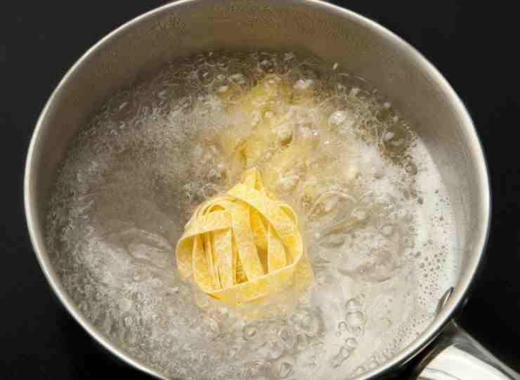 Pasta con fagioli e limone