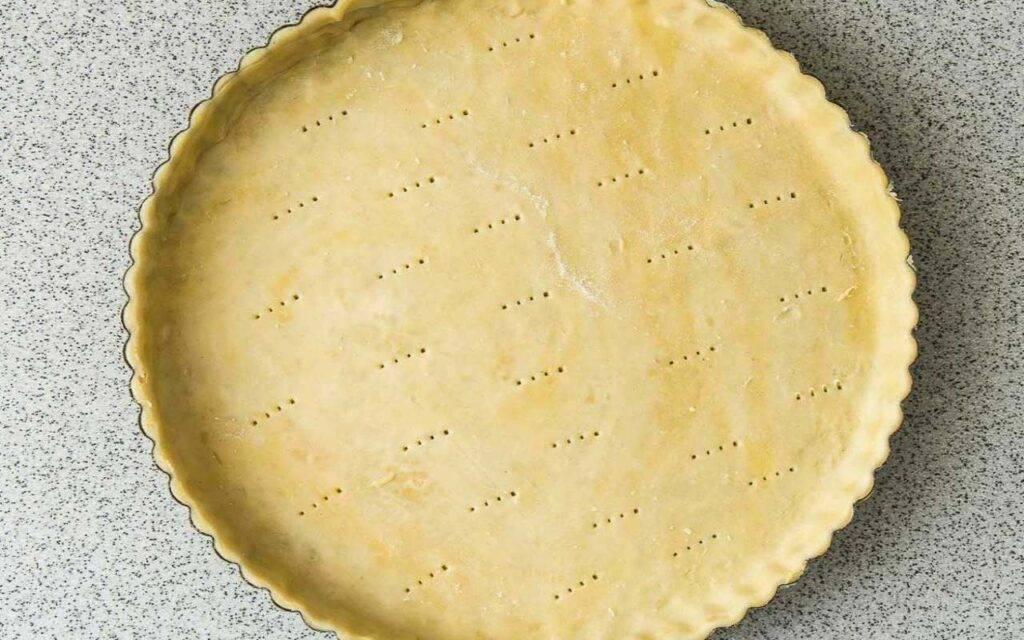 Torta salata con piselli e prosciutto in padella FOTO ricettasprint