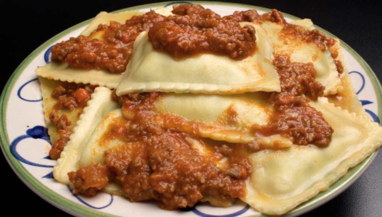Tortelli mugellani al ragù ricetta