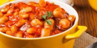 Zuppa di fagioli al pomodoro vegan ricetta