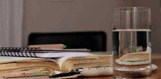 bere acqua tiepida