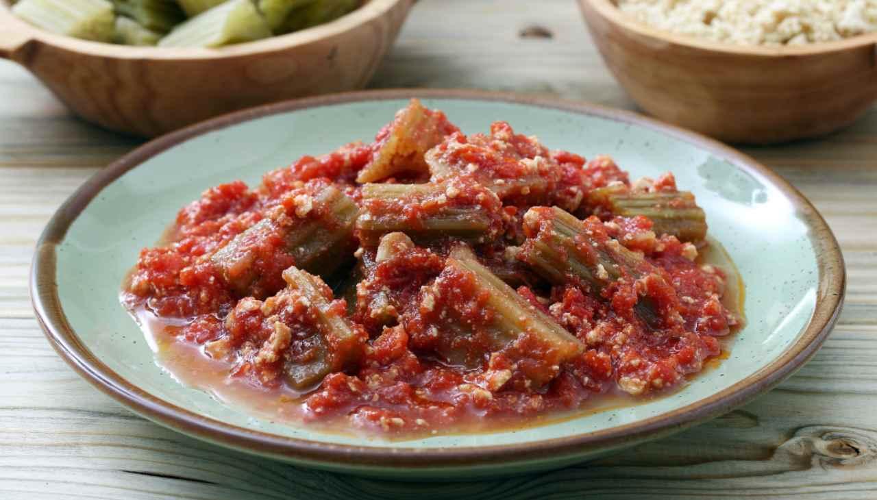 Cardi in umido con salsiccia ricetta