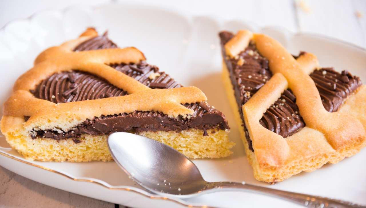 Crostata al cioccolato fondente con frolla friabile e delicata ricetta