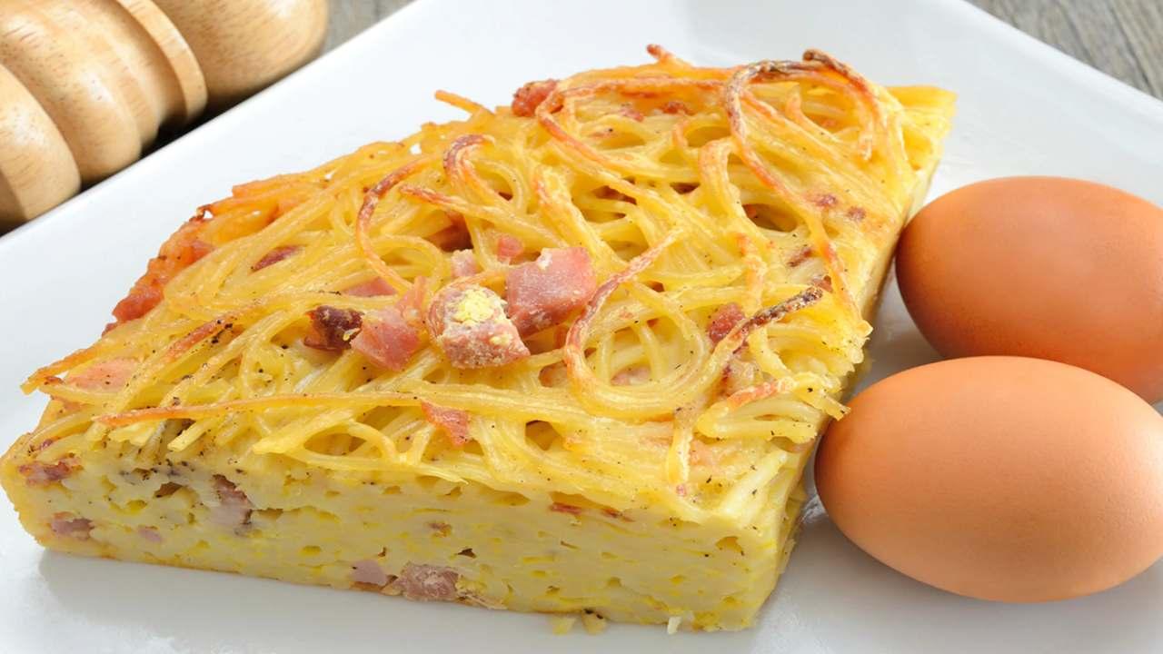 frittata spaghetti formaggio ricetta FOTO ricettasprint