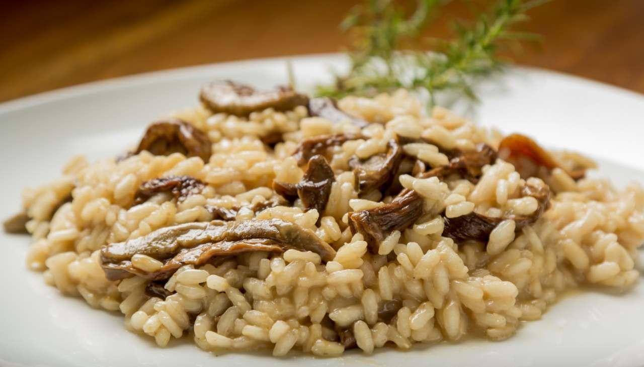 Risotto ai funghi con formaggio spalmabile ricetta