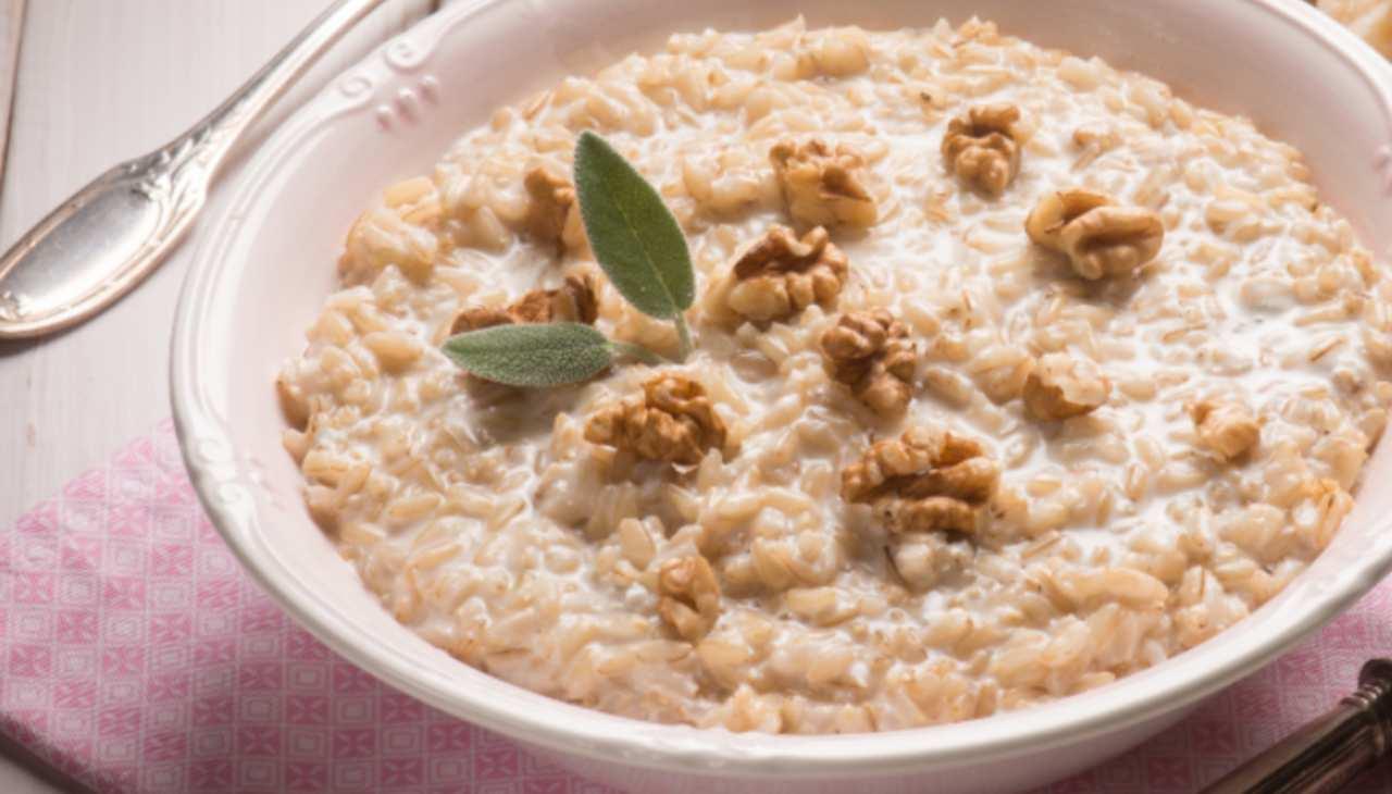Risotto gorgonzola e noci cremoso ricetta