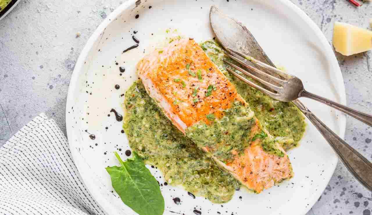 Salmone con salsa alle erbe ricettasprint