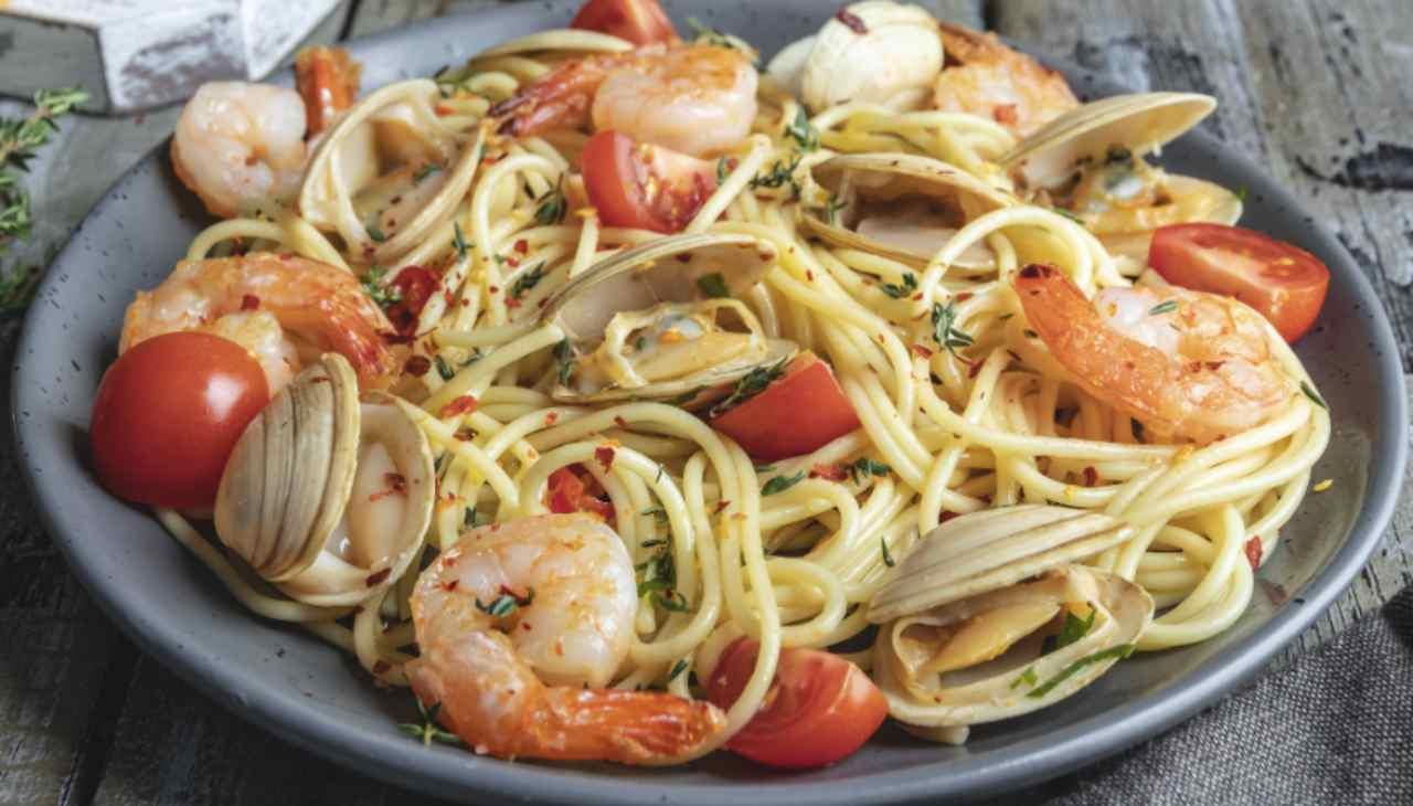 Spaghetti ai frutti di mare ricetta