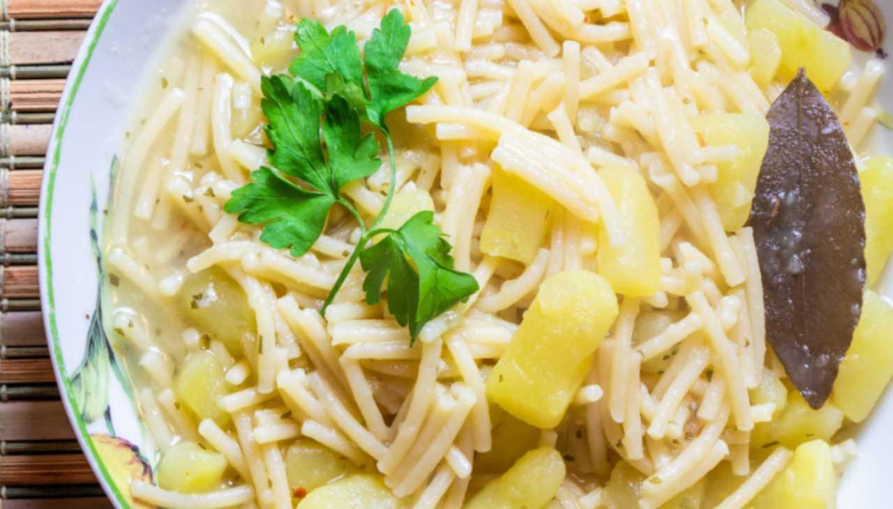 Spaghetti e patate ricetta