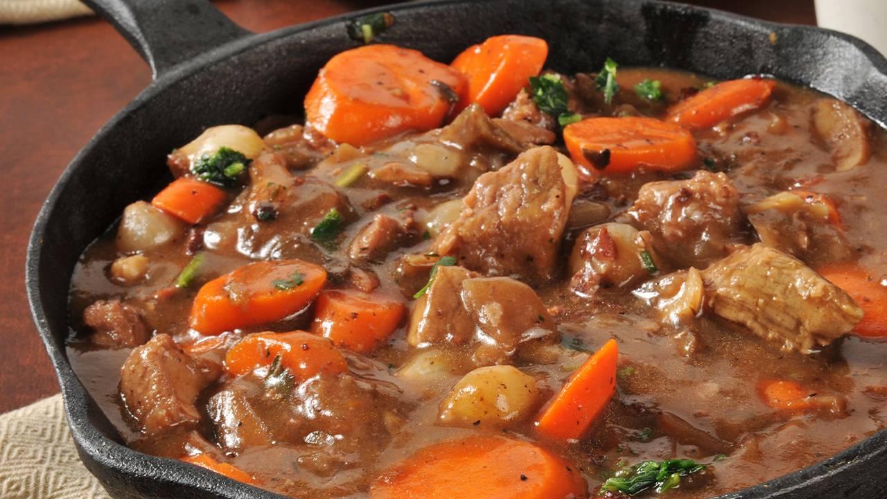 Carne con carote birra e pepee