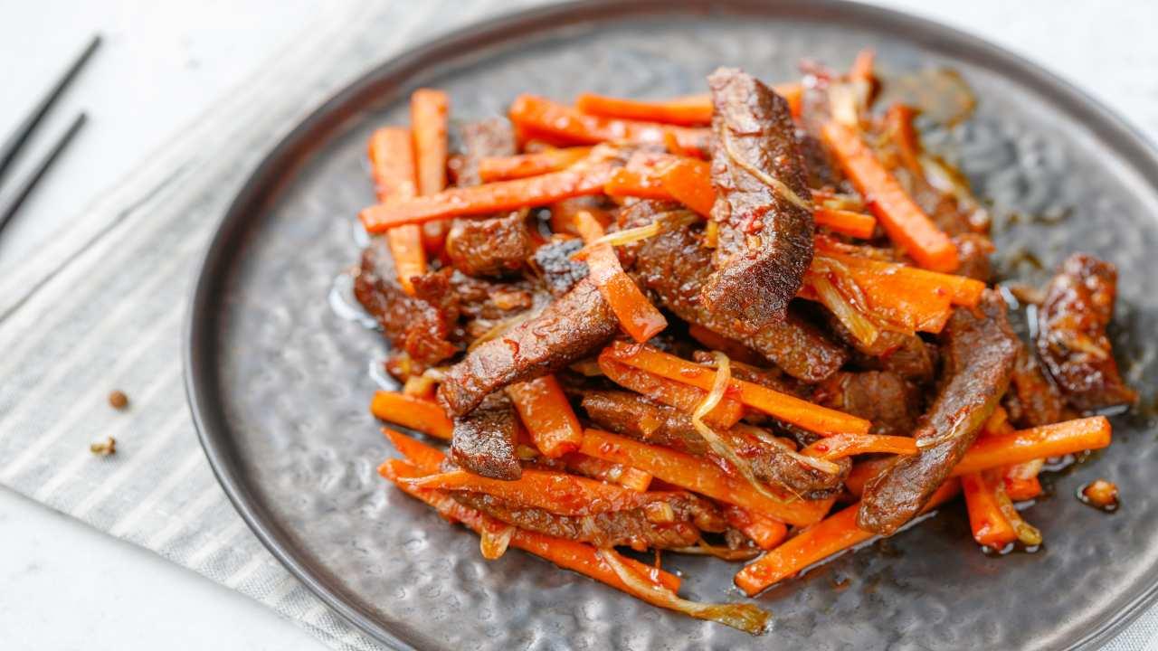 Carne con carote