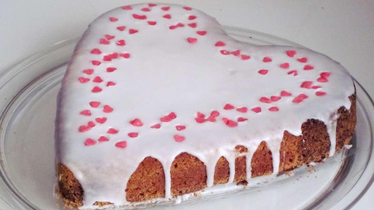 Torta glassata a forma di cuore Ricettasprint
