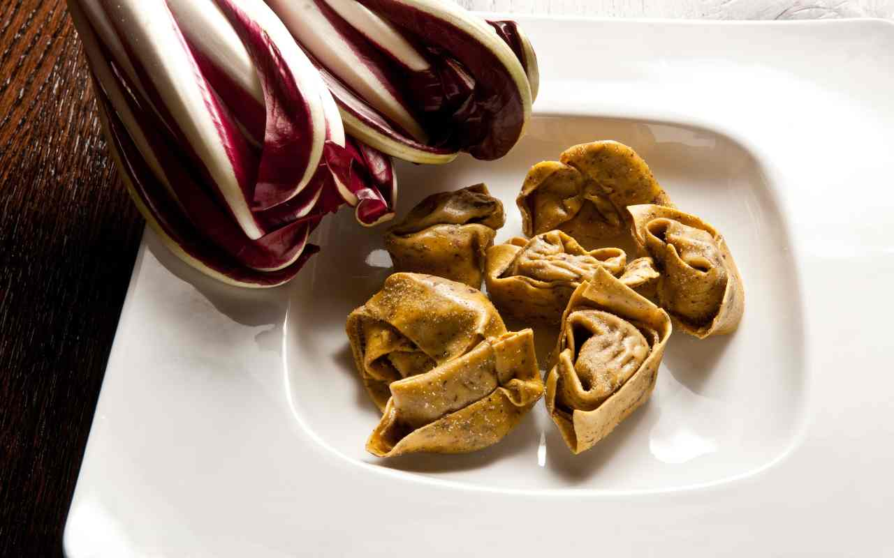 tortelli radicchio noci ricetta FOTO ricettasprint