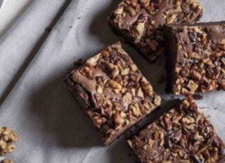 Brownies proteici cioccolato e noci ricetta