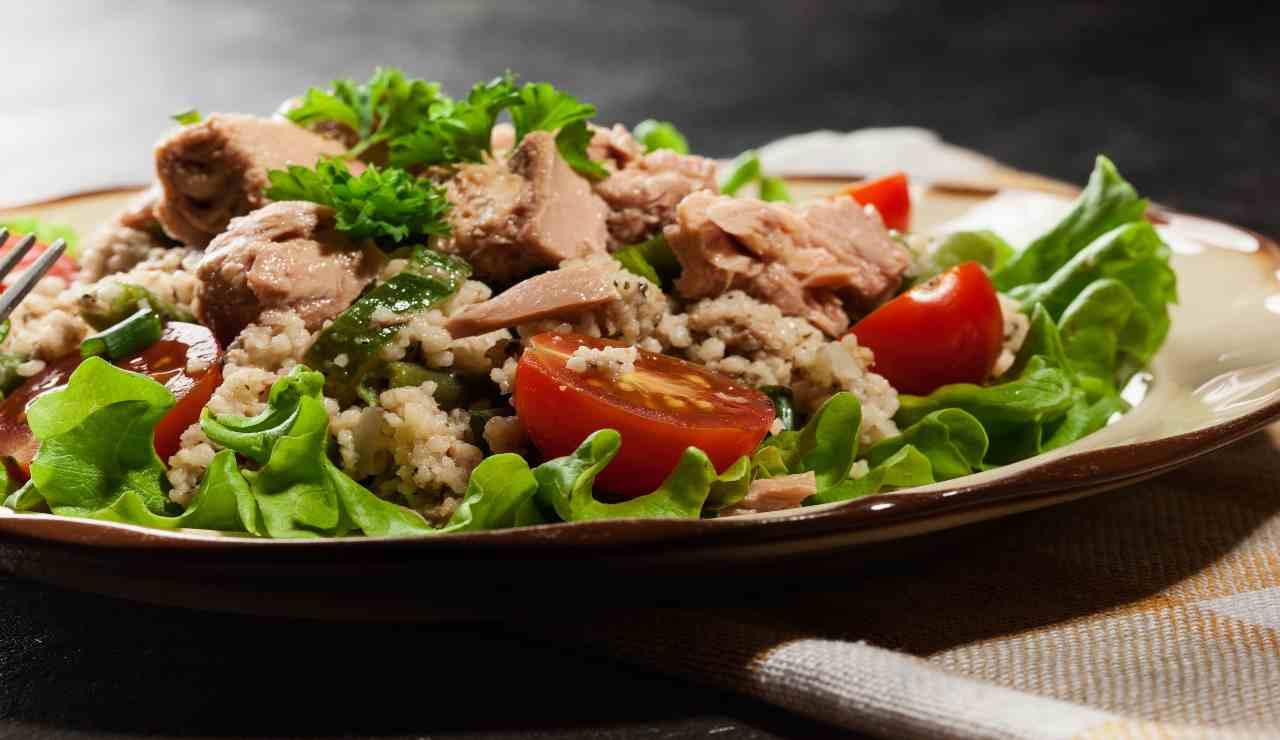 Couscous con tonno e verdure fresche