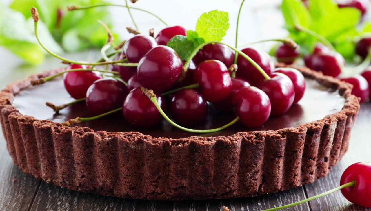 Dolce alla frutta estiva