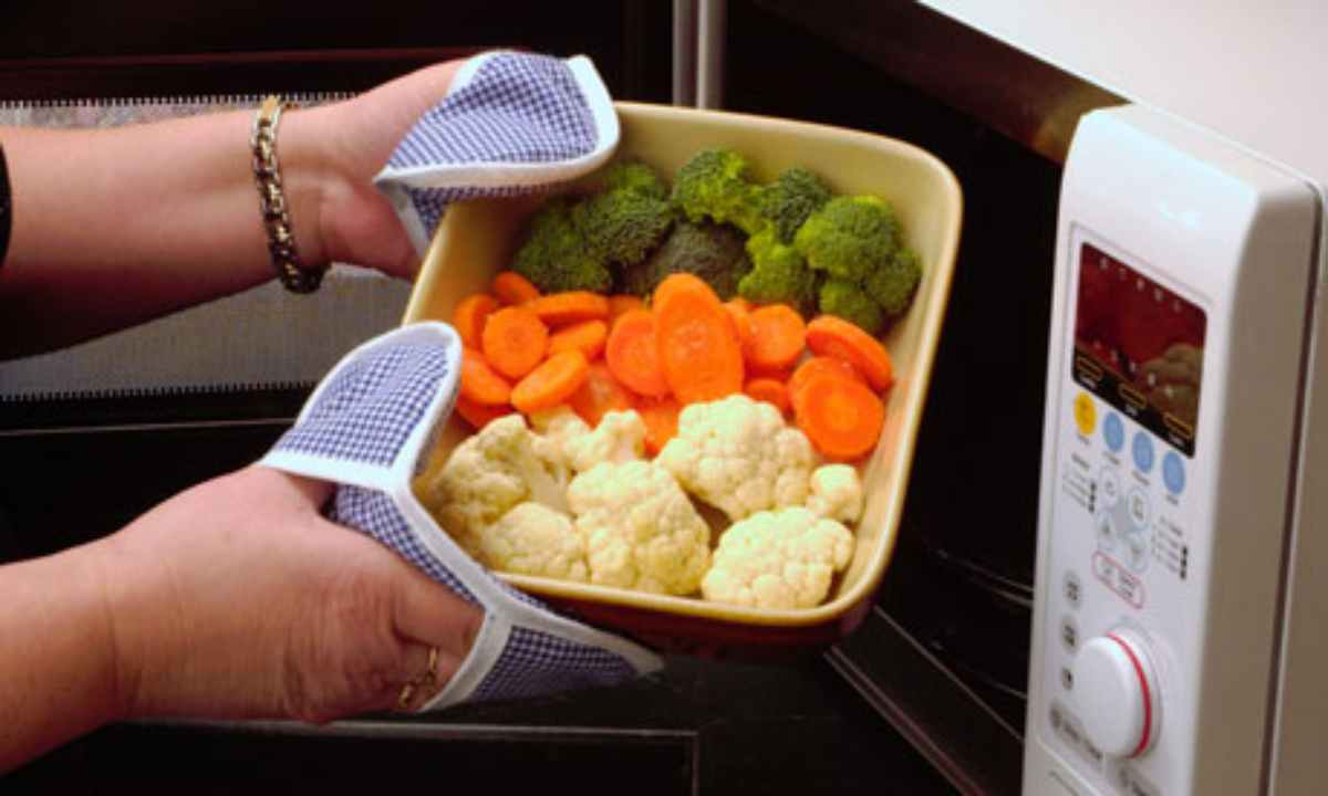 Cuocere le verdure al microonde