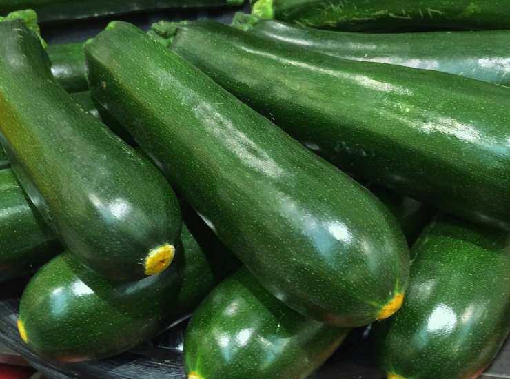 Focaccia morbida e veloce con zucchine senza lievitazione ricetta