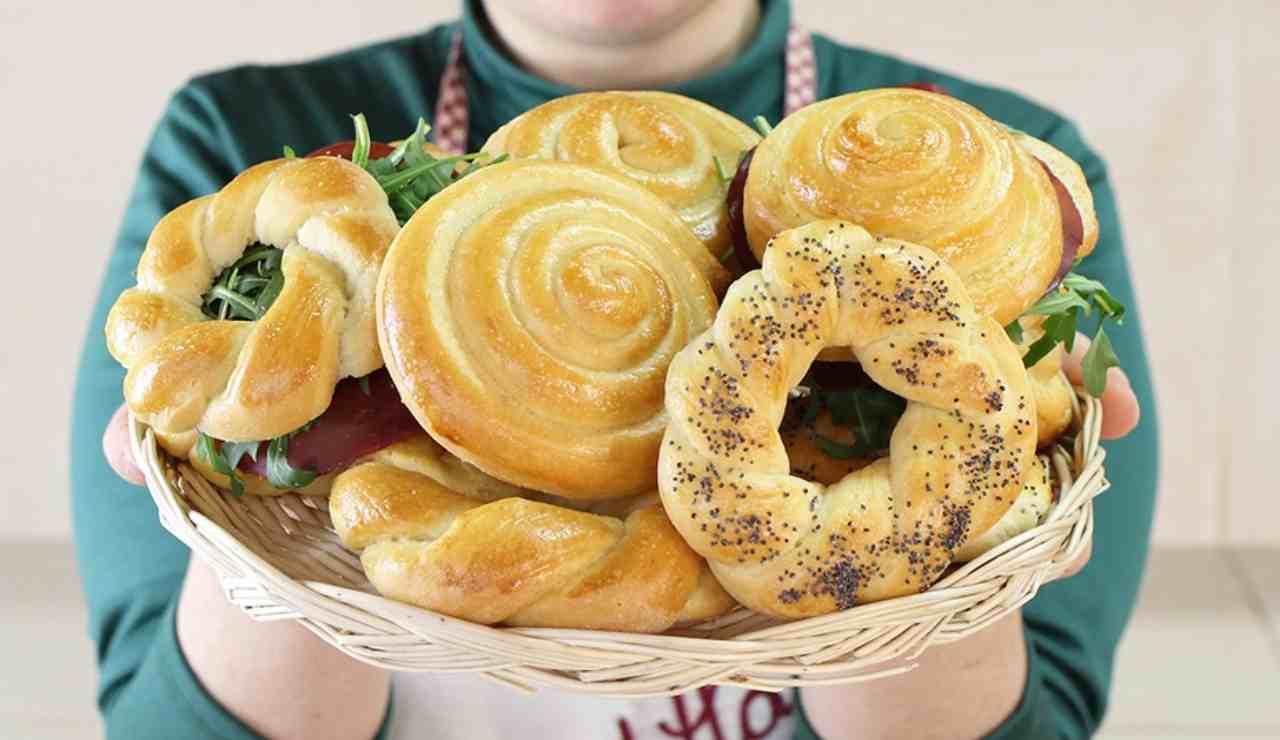 Girelle di pan brioche al formaggio