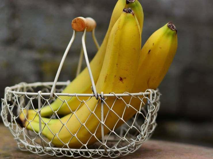 Muffins alla banana con farina di sorgo e frutti di bosco ricetta
