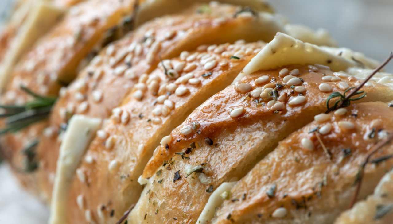 Pane farcito con formaggio e verdure