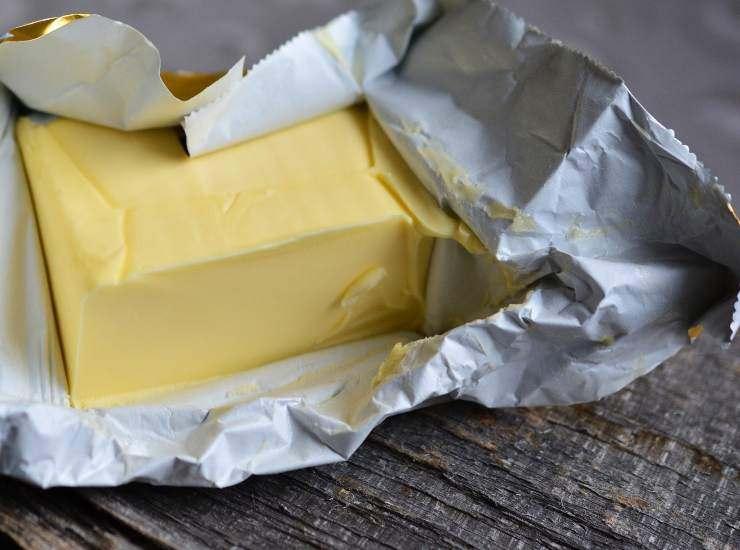 Pasta alla papalina ricetta
