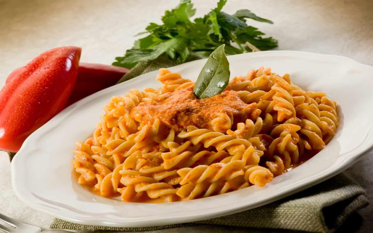 pasta crema peperoni ricetta FOTO ricettasprint