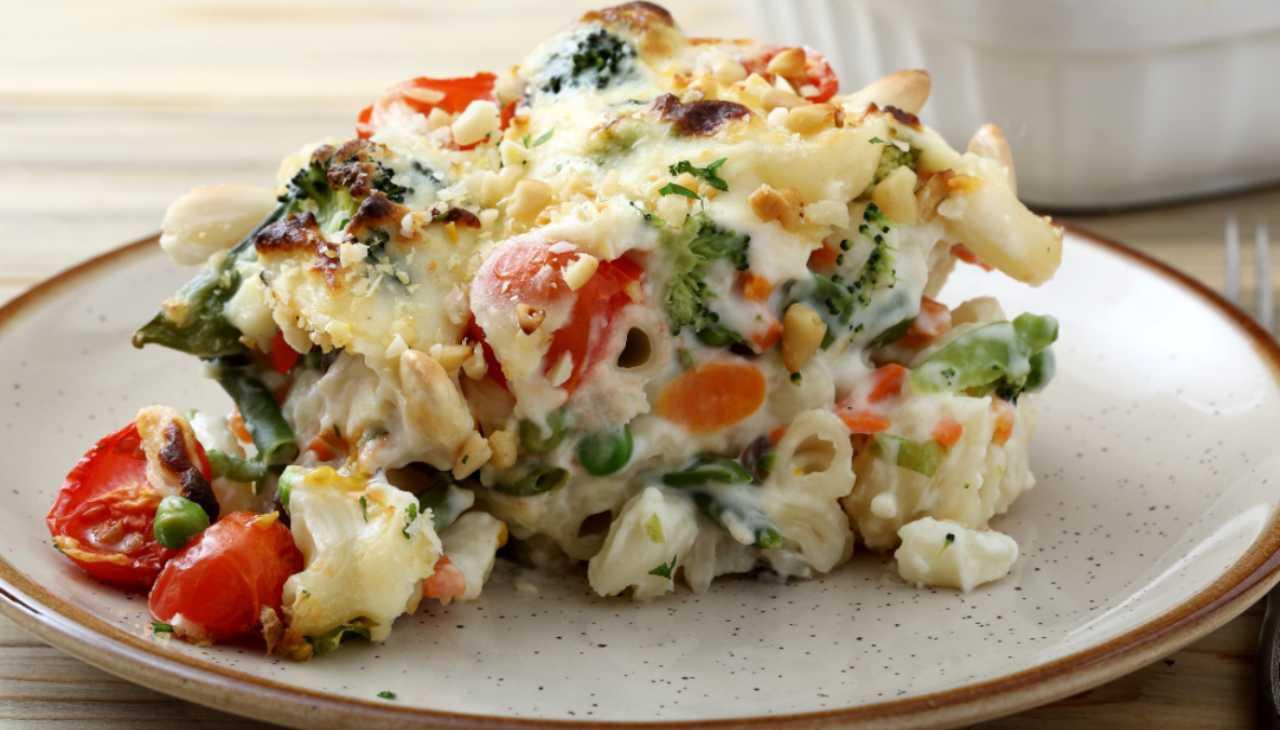 Pasta leggera al forno con verdure ricetta