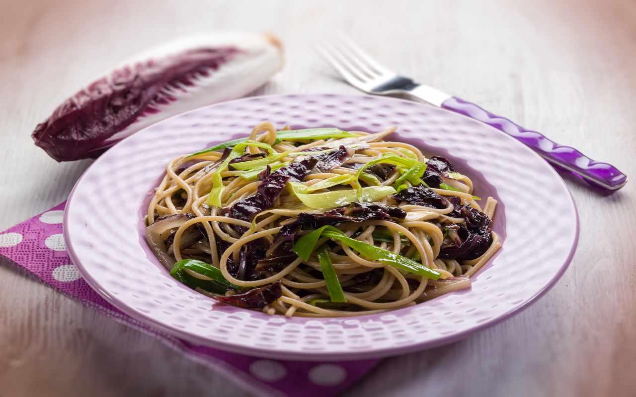 pasta radicchio porro pancetta ricetta FOTO ricettasprint