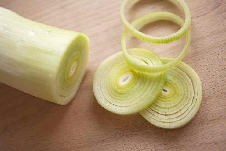 Pasta radicchio, porri e pancetta FOTO ricettasprint