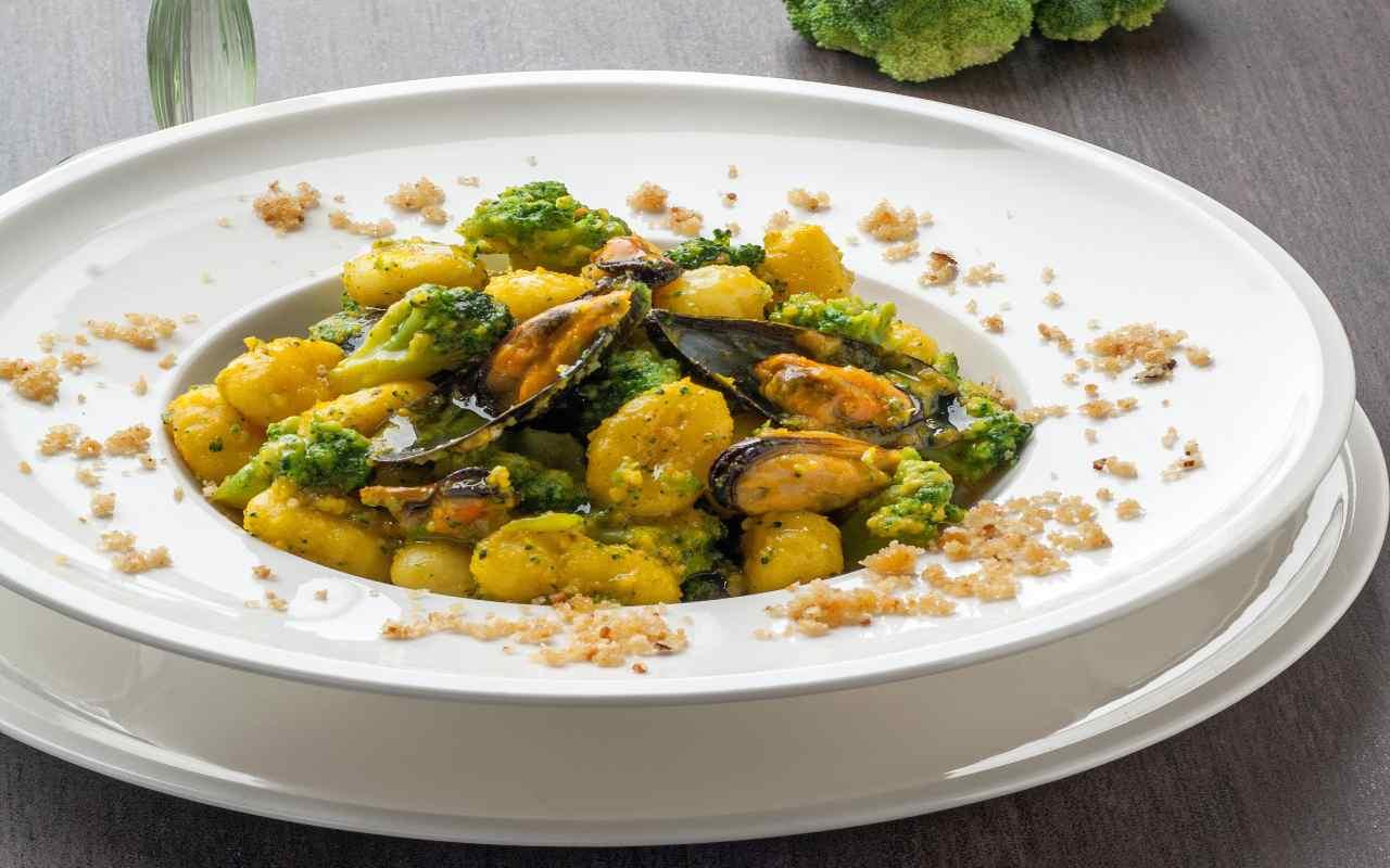 patate cozze broccoli ricetta FOTO ricettasprint