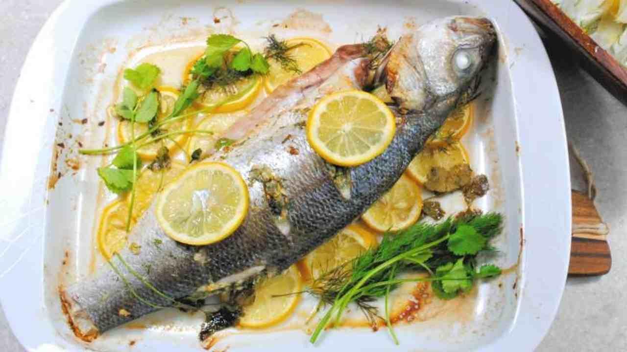 Pesce persico al forno prezzemolo e limone