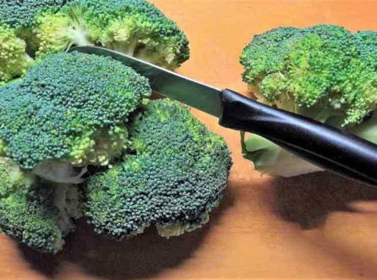 Pizza di broccoli senza lievito FOTO ricettasprint