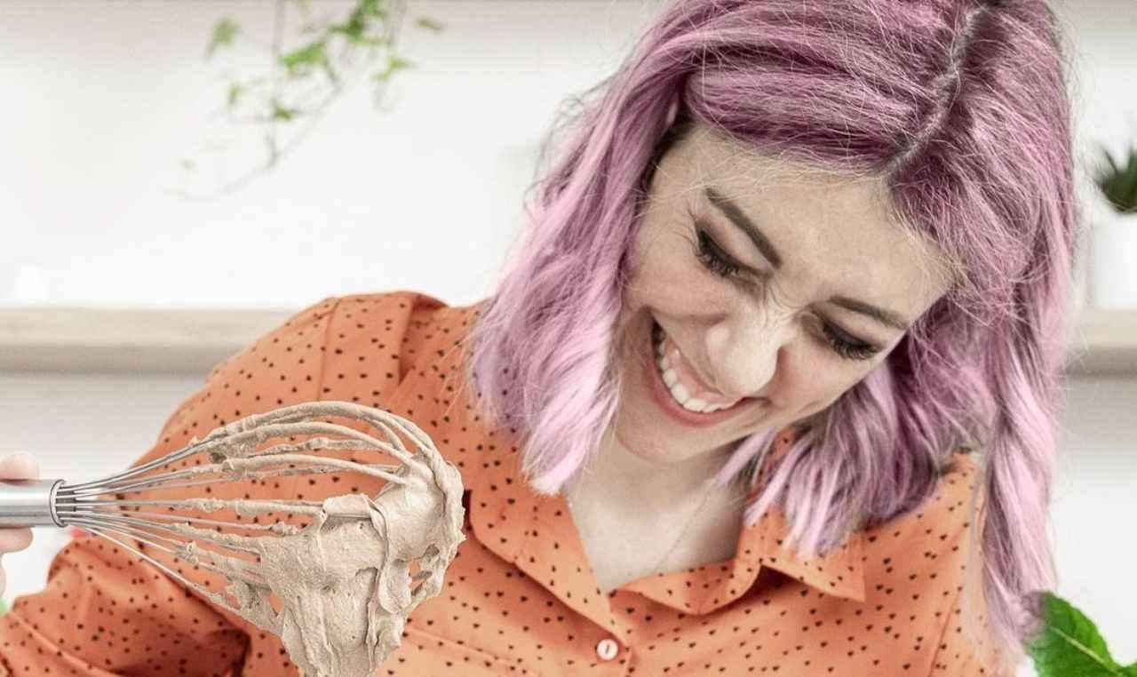 Sara Brancaccio corregge i biscotti - RicettaSprint