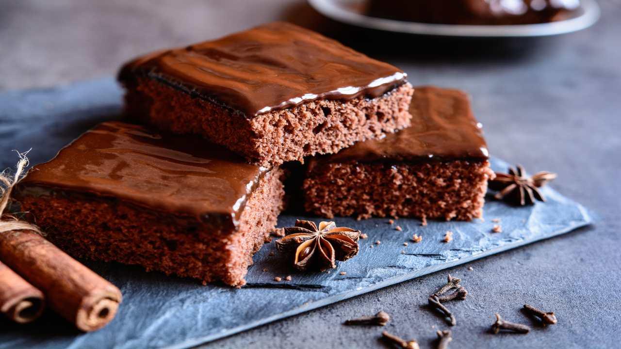 Torta al cioccolato e glassa