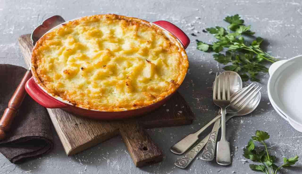 Torta di patate con ripieno di galbanino e scarole