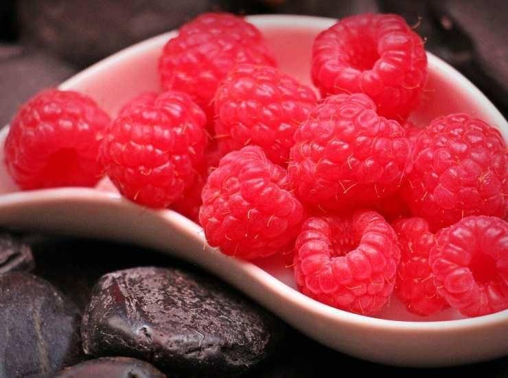 Torta lamponi, mousse al cioccolato e zenzero FOTO ricettasprint